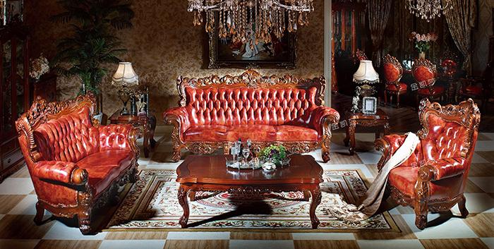 特有的文化特点而制作的,一般具备这些欧式文化特点的,就是城堡。客厅是整座别墅的心脏,直接象征了主人当时的实力,欧式家具和古董成为客厅最重要的摆设。而城堡的主人一定是选择欧式家具,毕竟从那个年代开始到现在欧式风格一直都是奢华、高贵、身份象征的代名词。  (金凯莎鎏金45沙发组合) 大气当时被城堡主人化身成欧式家具选购的衡量标准。